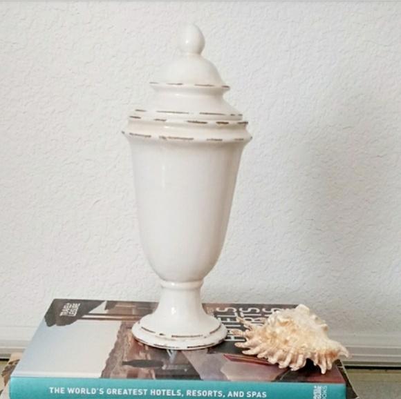 Gamjali StylHOME Other - Decorative Cream Jar with Lid